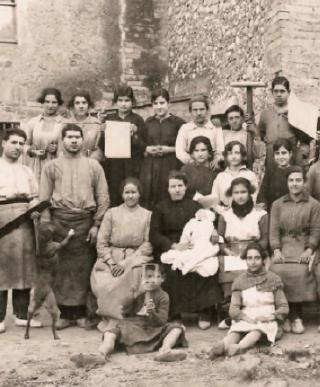 historical photo of Segura Viudas
